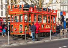 在Bellevue广场的` Marlitram `电车在瑞士苏黎士 图库摄影