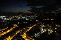 在Benalmadena的夜视图从Stupa 库存照片