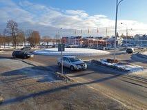 在Bergsjövägen -胡迪克斯瓦尔的环形交通枢纽 免版税图库摄影