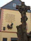在Bernkastel德国的耶稣雕象 库存照片
