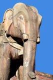 在Bhaktapur Durbar广场的石大象 库存图片