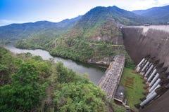 在Bhumibol水坝的发电站 免版税图库摄影