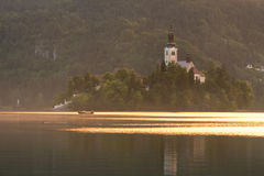 在Bled海岛上的教会 图库摄影
