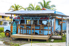 在Bocas del托罗,巴拿马的五颜六色的foodtruck 图库摄影