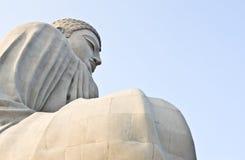 在Bodhgaya的大菩萨雕象 库存照片