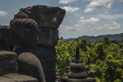 在Borobodur寺庙的菩萨雕象 库存图片