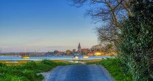 在Bosham港口和村庄,西萨塞克斯郡,英国的日出 免版税图库摄影