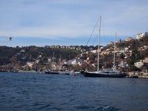 在Bosphorus海峡的小船 免版税库存图片