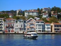 在Bosphorus的渡轮 图库摄影