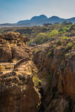 在Bourke运气坑洼的桥梁,布莱德河峡谷,南非 图库摄影