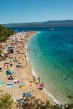 在Brac海岛上的金黄垫铁在克罗地亚 免版税图库摄影