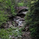 在Brecksville保留的美丽的桥梁-克利夫兰METROPARKS -俄亥俄-美国 免版税库存图片