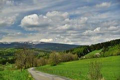 在Bruntal附近的春天 免版税库存图片