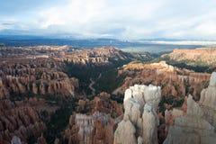 在Bryce峡谷的不祥之物 免版税图库摄影