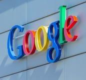 在buillding谷歌的办公室的谷歌标志 免版税库存图片