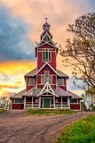 在Buksnes教会上的日出在Ballstad,挪威 图库摄影