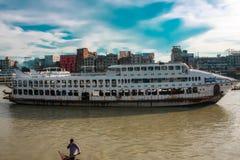 在Burigonga河发射†在孟加拉国 免版税库存图片
