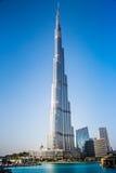 在Burj Khalifa,迪拜,阿拉伯联合酋长国的视图,在晚上 图库摄影