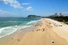 在Burleigh的看法朝向在昆士兰的英属黄金海岸的海滩 库存图片