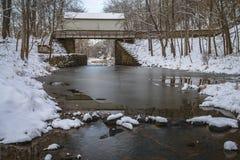 在C&O运河的新鲜的雪 库存照片