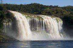 在Canaima,委内瑞拉的瀑布 库存图片