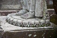 在Candi Penataran寺庙的石工艺在Blitar,印度尼西亚。 免版税库存图片