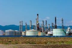 在Carmel附近的石油化工厂 图库摄影