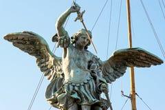 在Castel Sant `安吉洛顶部的圣迈克尔雕象在罗马 免版税库存图片
