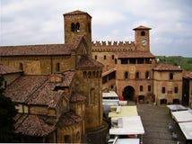 在Castell'arquato,皮亚琴察,意大利的全景 库存图片
