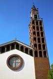 在castellanza老抽象塔响铃晴天 库存图片