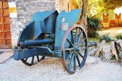 在Castello,科内利亚诺的老战争大炮 免版税图库摄影