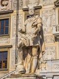 在Cavalieri广场的雕象在比萨-比萨意大利- 2017年9月13日 图库摄影