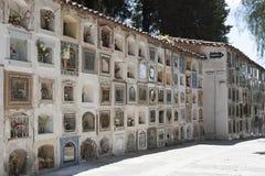 在Cementerio市政公墓的坟墓在苏克雷,玻利维亚 库存照片