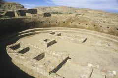 在Chaco峡谷印地安废墟的礼仪Kiva, NM,大约1060,印地安文明, NM中环中心  免版税库存图片