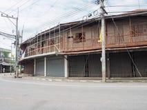 在Chainat省,泰国的老木市场 免版税库存照片