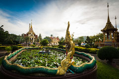 在chalong寺庙,普吉岛,泰国的泰国样式装饰 图库摄影