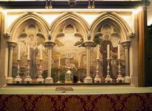 在Chapel国王的法坛直布罗陀的岩石的入口的向地中海 免版税图库摄影