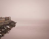 在Charlestown的有雾的天,马里兰码头 免版税图库摄影