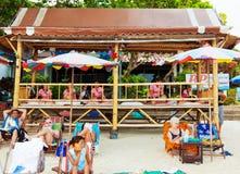 在Chaweng海滩,泰国的按摩 免版税库存照片
