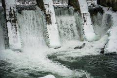在Chemal,阿尔泰,西伯利亚的水力发电站 库存图片