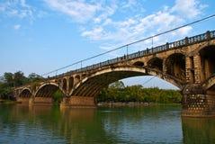 在chese counryside的曲拱桥梁 库存图片
