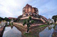 在chiangmai泰国Wat Chedi Luang的古庙 免版税库存照片