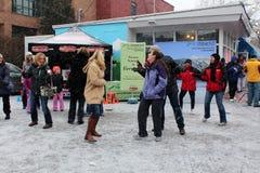 在chowderfest, Saratoga Springs纽约, 2013年2月2日的自发舞蹈。 免版税库存照片
