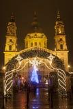 在christmastime的大教堂正方形 免版税库存照片