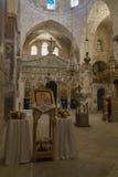 在chuch里面在圣洁阴级射线示波器的修道院里 免版税库存照片