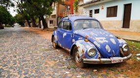 在Circuito de Oro的葡萄酒大众甲壳虫在巴拉圭 免版税库存图片