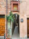 在Citta della Pieve翁布里亚的Vicolo Baciadonne 库存图片