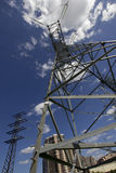 在city2的高压塔 免版税库存图片