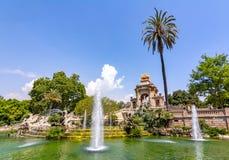 在Ciutadella公园,巴塞罗那,西班牙落下喷泉 库存照片