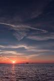 在Clearwater海滩,佛罗里达的日落 风景 海湾墨西哥 轮渡 库存照片